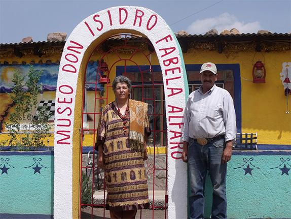 Elizabeth Davila and Eliseo Villegas at the Don Isidro Fabela Alfaro Museo